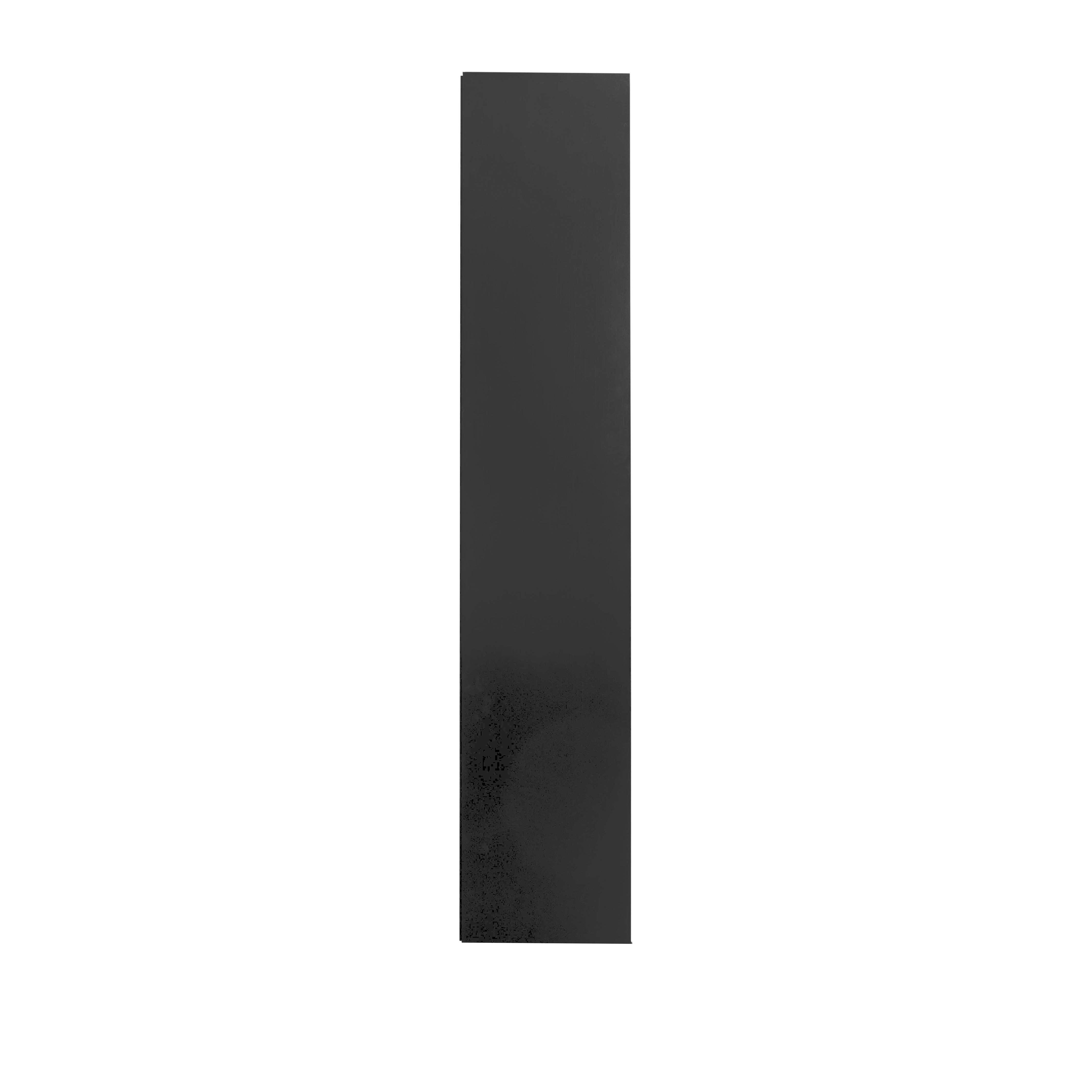 Line Vitrinskåp Black från sidan - englesson.se