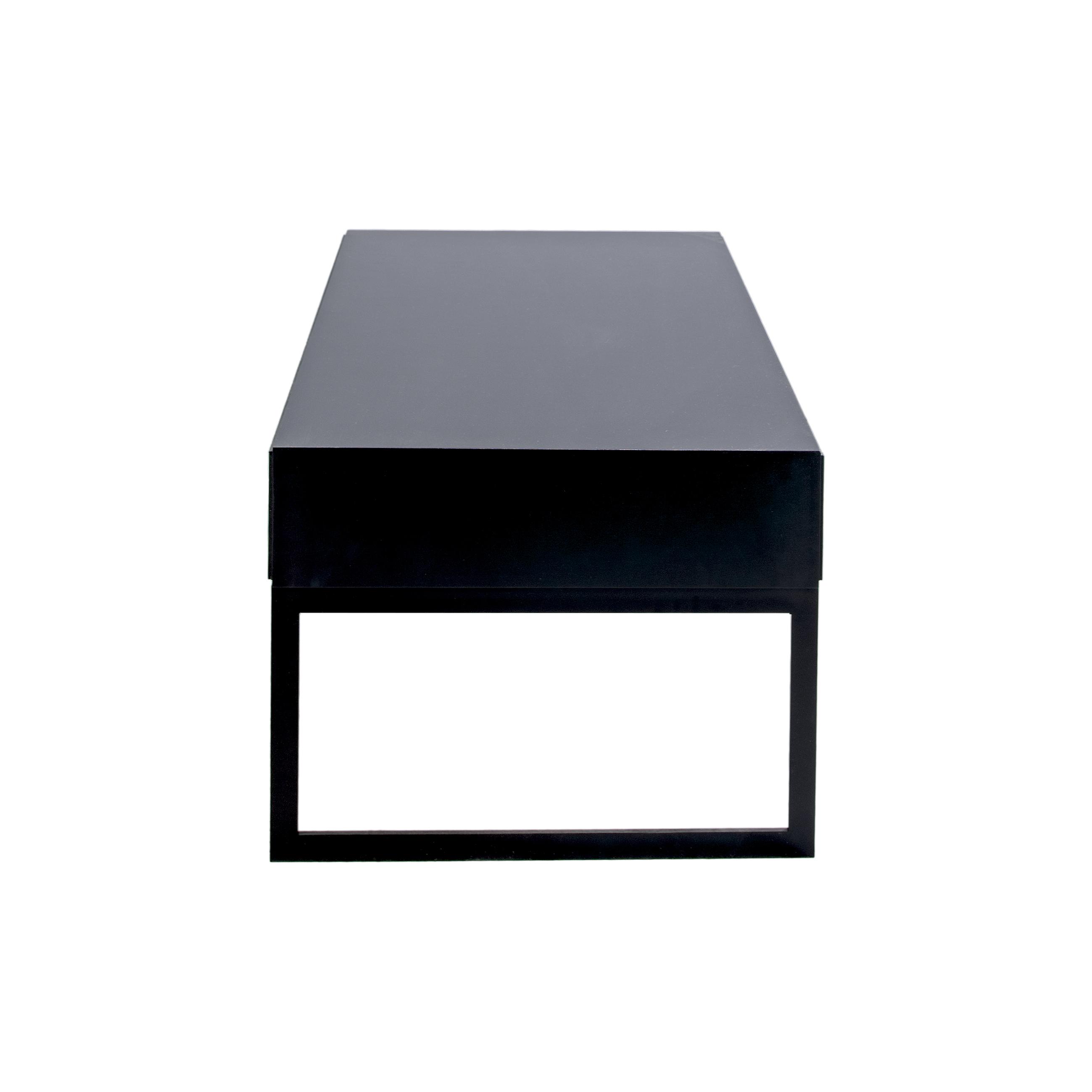 Line Soffbord rektangulärt Black med benställning från sidan - englesson.se