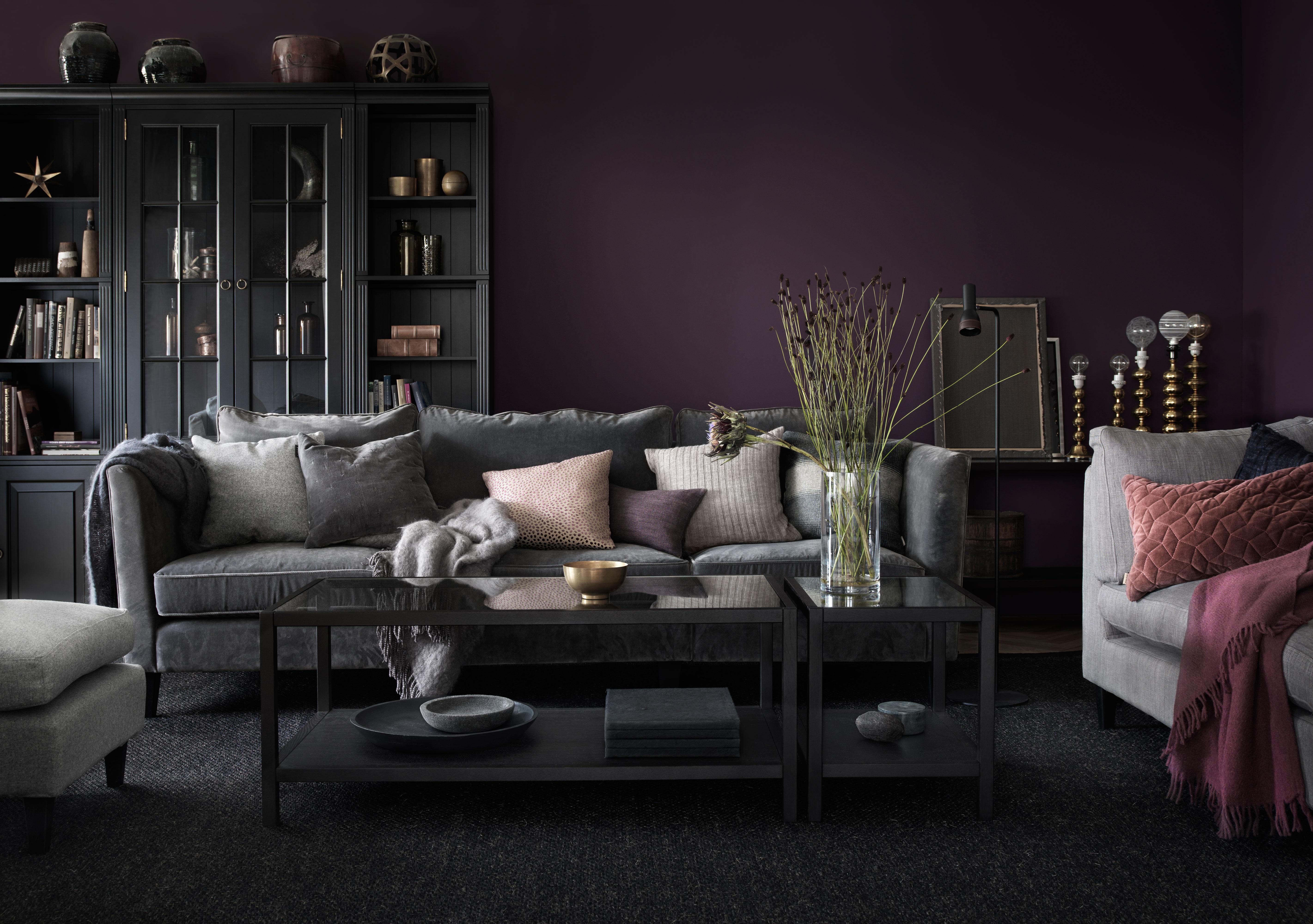 Carlton Soffa 3-sits i grått, soffbord 2000, svart bokylla Stockholm - englesson.se