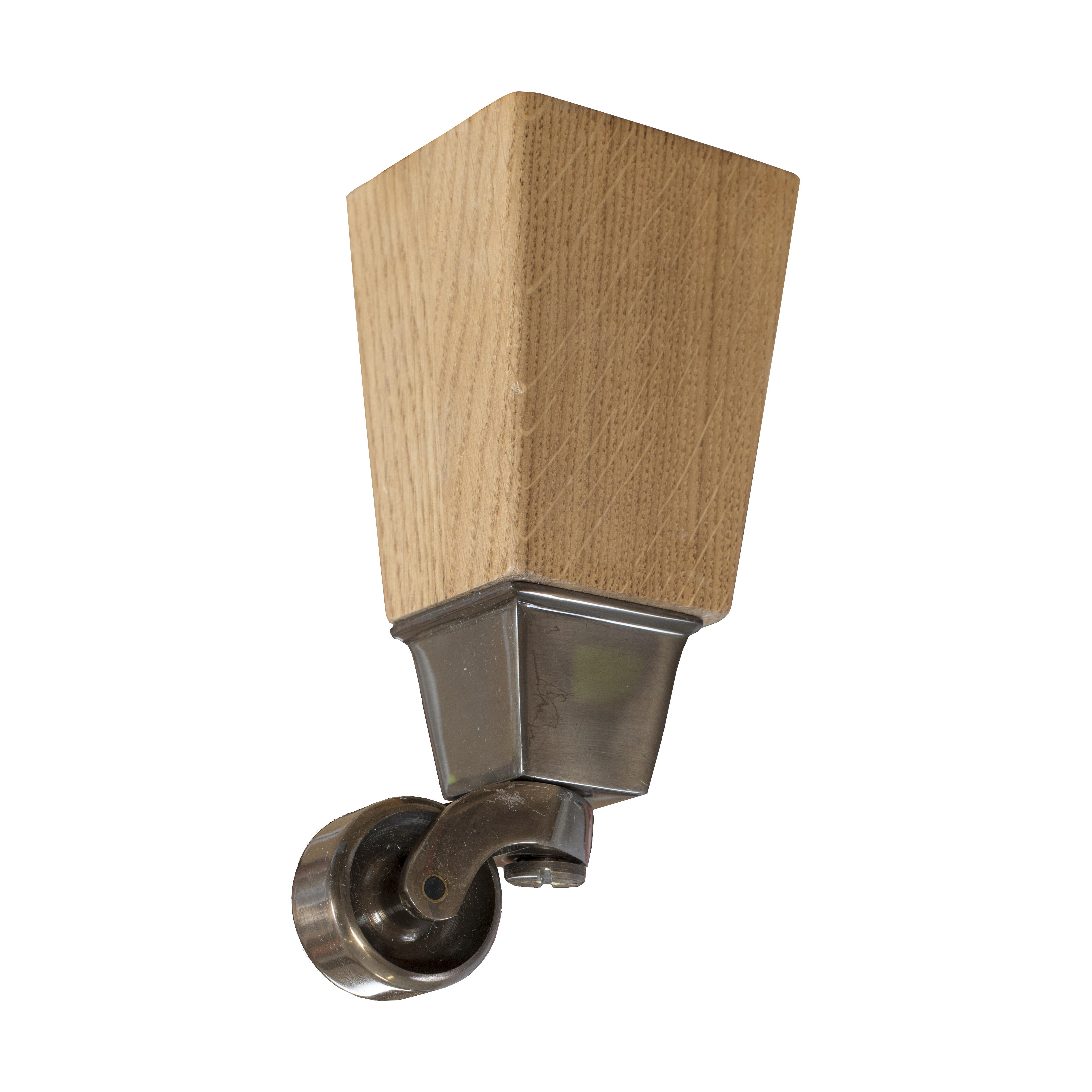 16 cm Carlton koniska ben i ek med hjul i antik mässing - englesson.se